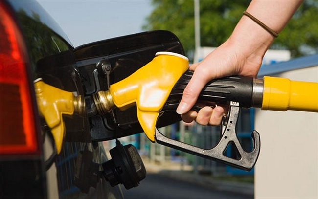 Top Image - Singapore's Best Credit Cards for Petrol