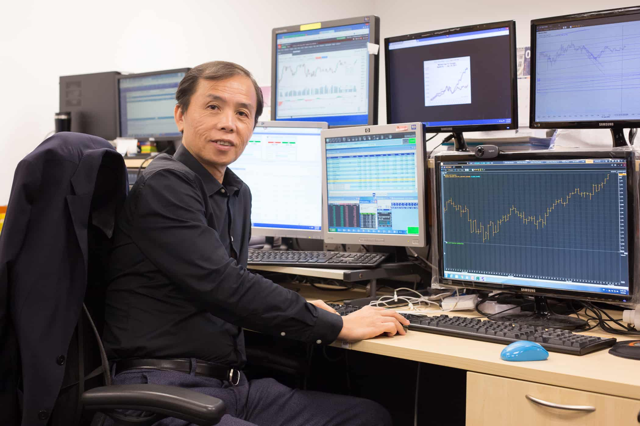 a day in the life of a millionaire trader with robin ho